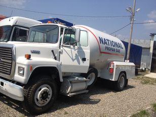 FORD l8000 camión cisterna de gas