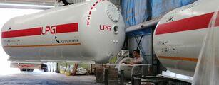 VOLVO 32000L And 24000L PG FULL BOBTAIL TRUCK  camión cisterna de gas