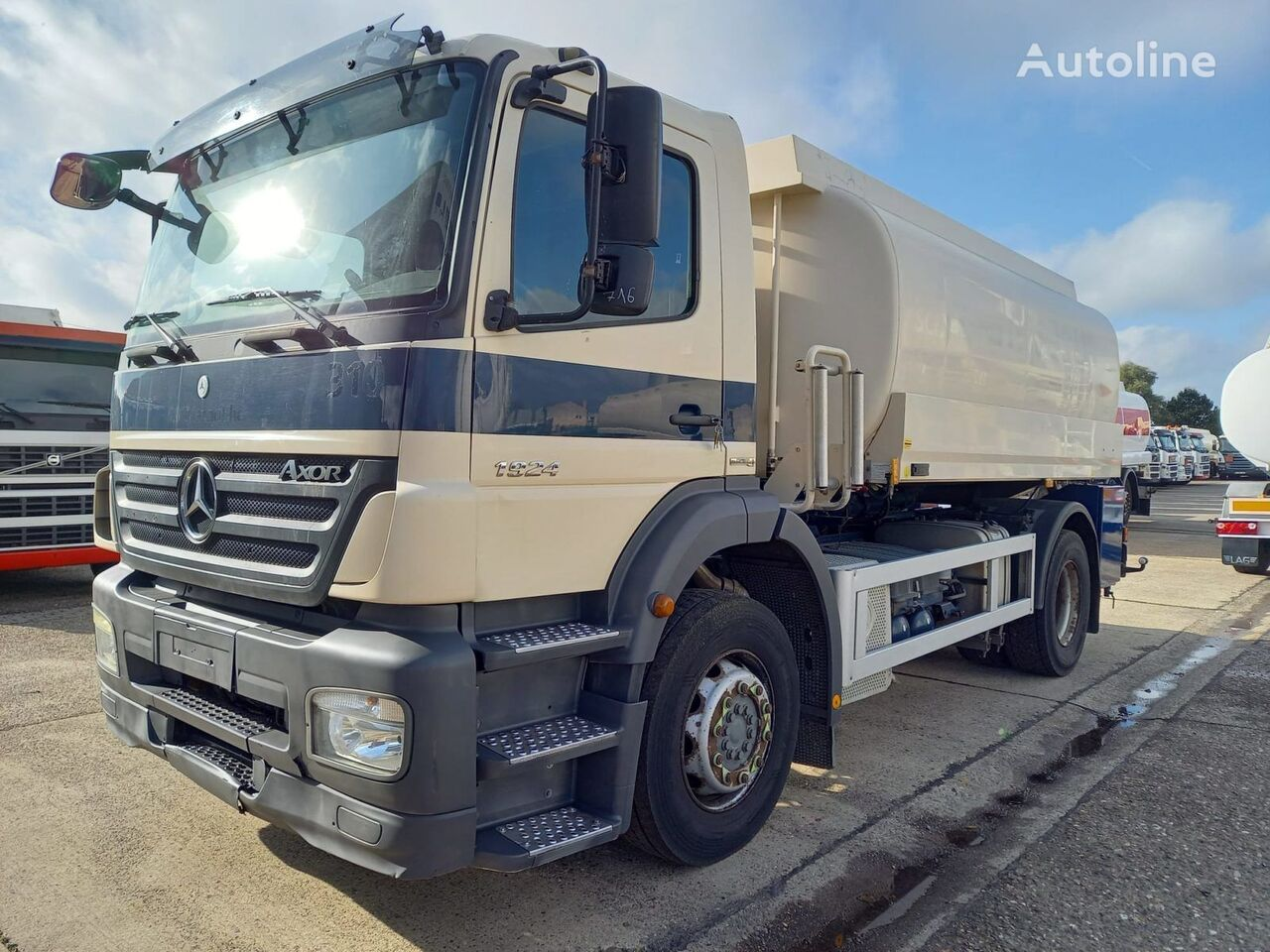 MERCEDES-BENZ camión cisterna