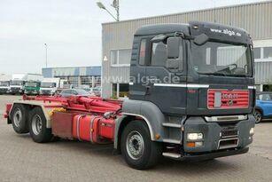 MAN TGA 26.440 6x2 camión con gancho