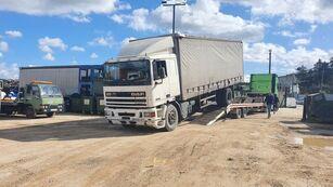 DAF 95 330 camión con lona corredera