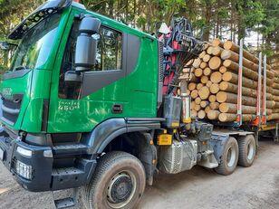 IVECO TRAKKER camión maderero
