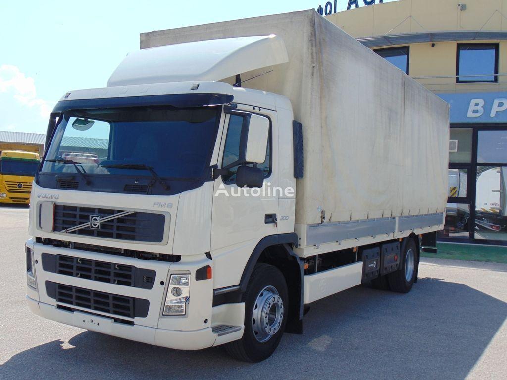 camión toldo VOLVO FM 9-300