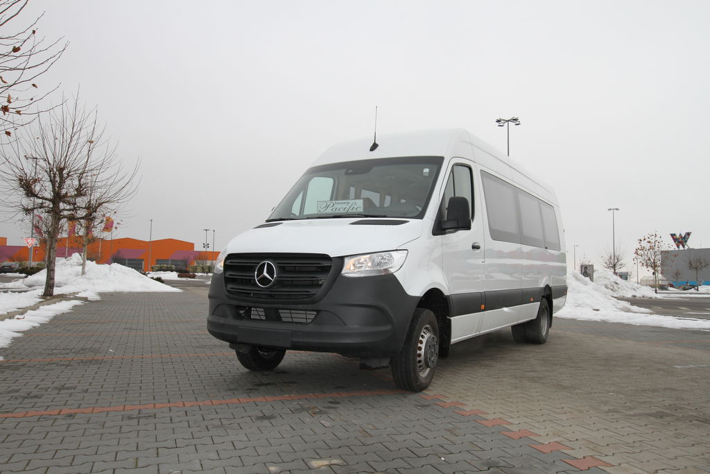 furgoneta de pasajeros MERCEDES-BENZ Sprinter 516,  *COC*  prolonged with 50cm fiber/steel, STOCK nueva