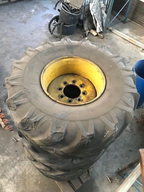 Michelin Double X  18 x 19,5 XF - Reifen Massiv Baumaschine neumático para maquinaria de construcción